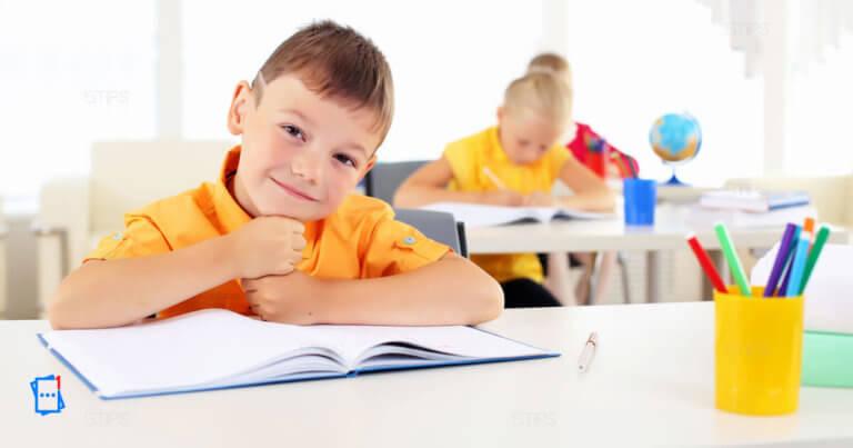 bambino a scuola
